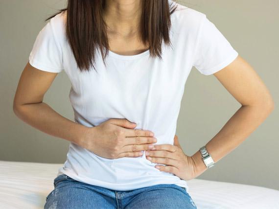 mujeres con dolor pélvico agudo